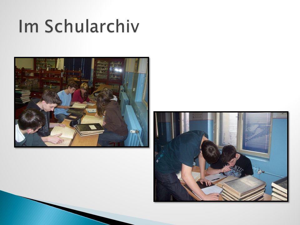 Im Schularchiv