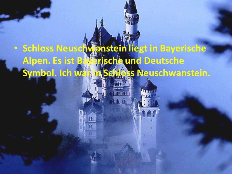Schloss Neuschwanstein liegt in Bayerische Alpen