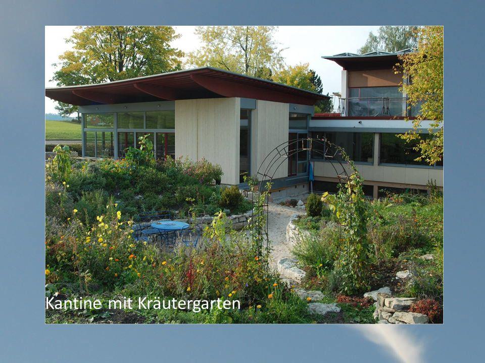 Kantine mit Kräutergarten
