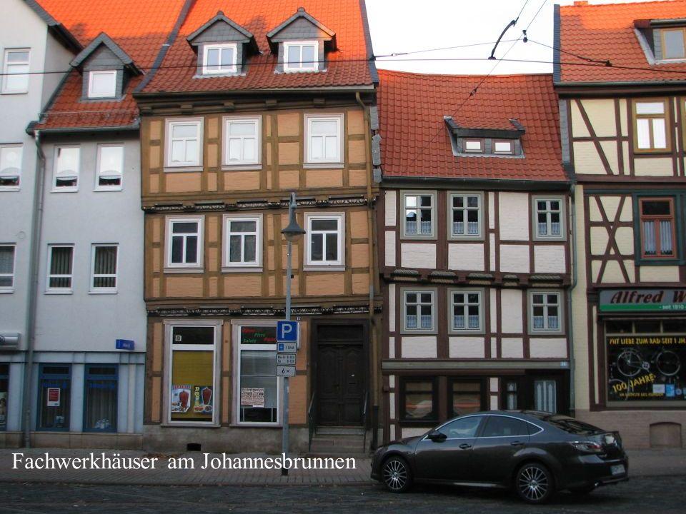 Fachwerkhäuser am Johannesbrunnen