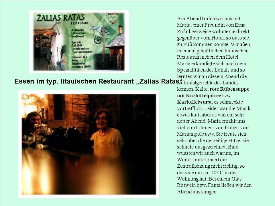 """Essen im typ. litauischen Restaurant """"Zalias Ratas"""