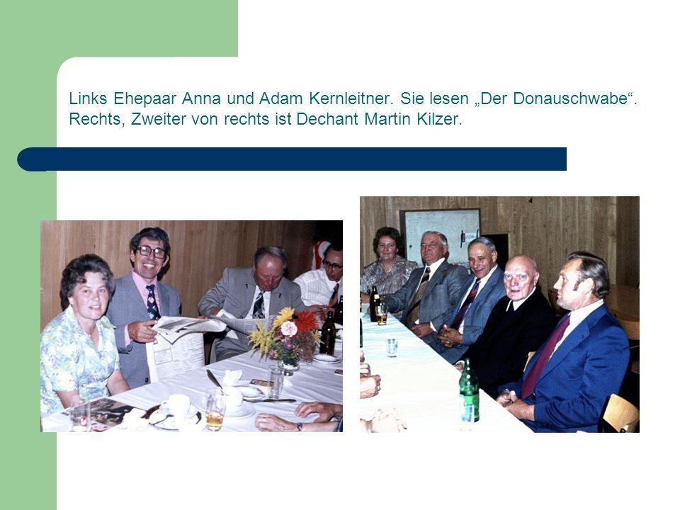 """Links Ehepaar Anna und Adam Kernleitner. Sie lesen """"Der Donauschwabe"""