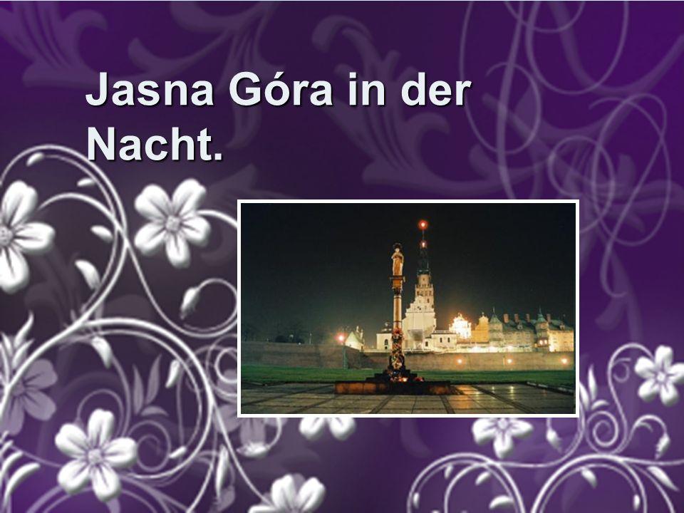 Jasna Góra in der Nacht.