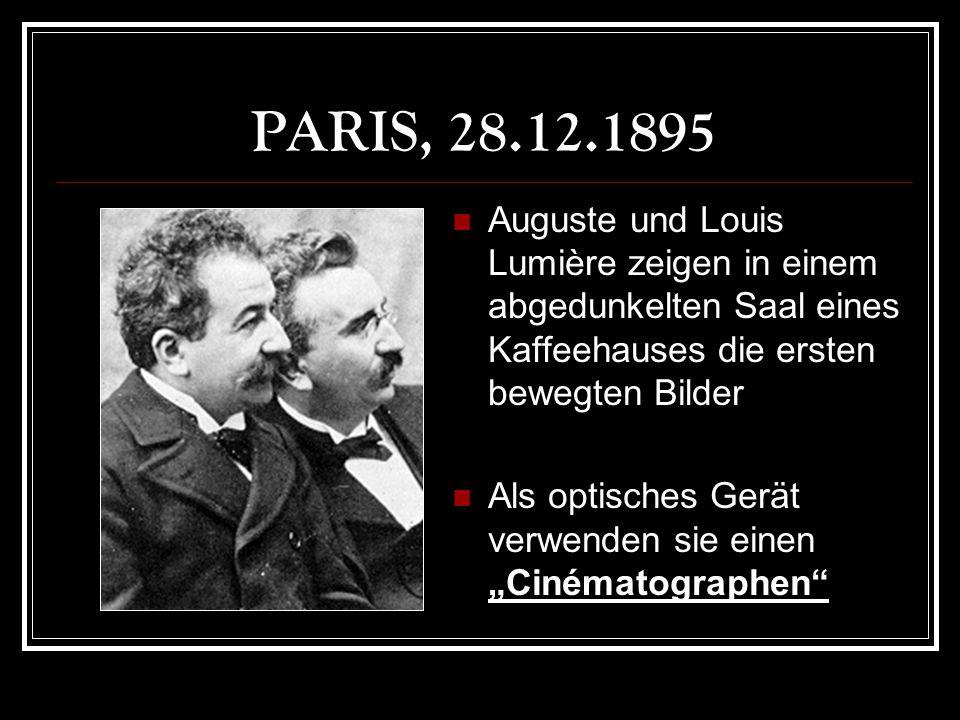 PARIS, 28.12.1895 Auguste und Louis Lumière zeigen in einem abgedunkelten Saal eines Kaffeehauses die ersten bewegten Bilder.