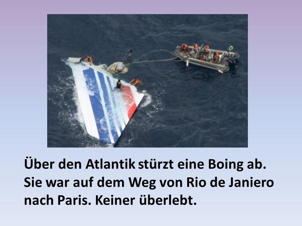 Über den Atlantik stürzt eine Boing ab