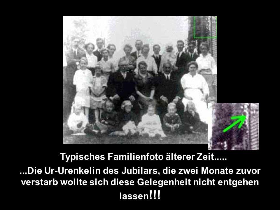 Typisches Familienfoto älterer Zeit.....