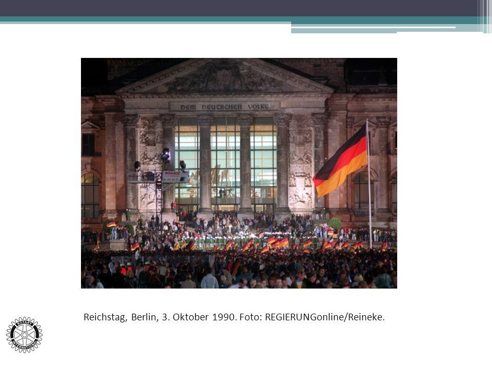Reichstag, Berlin, 3. Oktober 1990. Foto: REGIERUNGonline/Reineke.