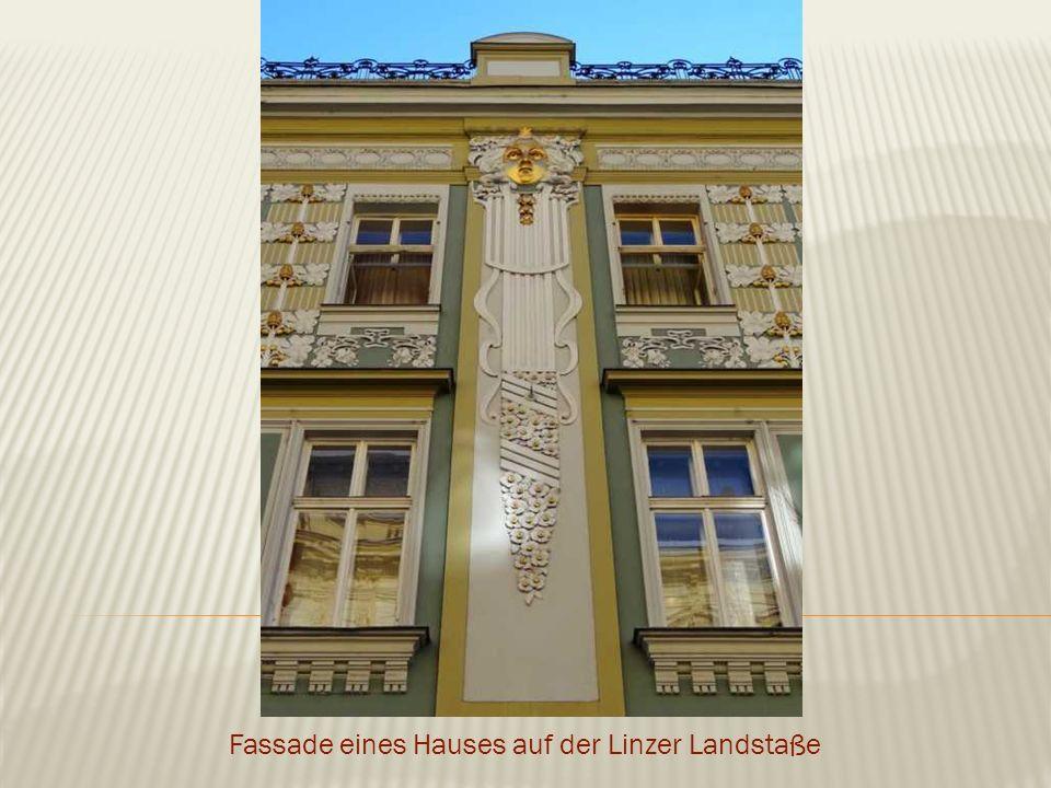 Fassade eines Hauses auf der Linzer Landstaße