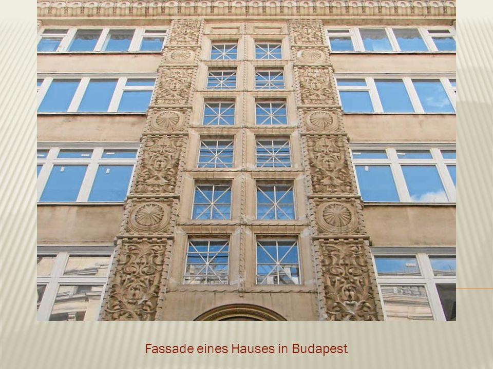 Fassade eines Hauses in Budapest