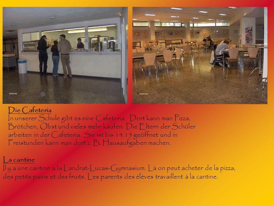 Die Cafeteria In unserer Schule gibt es eine Cafeteria. Dort kann man Pizza, Brötchen, Obst und vieles mehr kaufen. Die Eltern der Schüler.