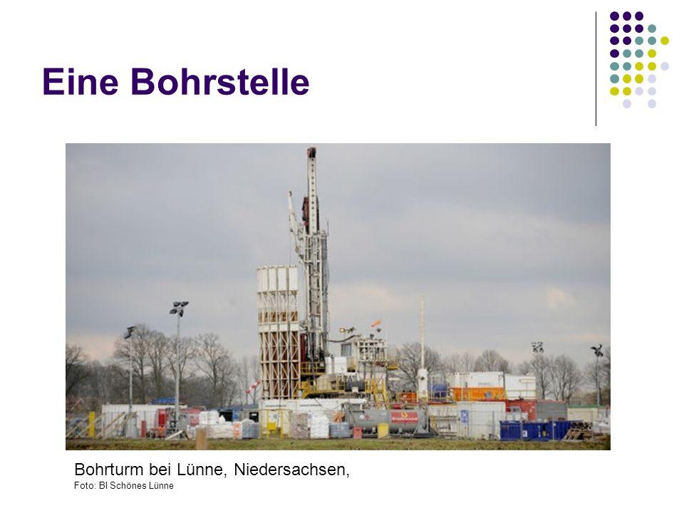 Eine Bohrstelle Bohrturm bei Lünne, Niedersachsen,