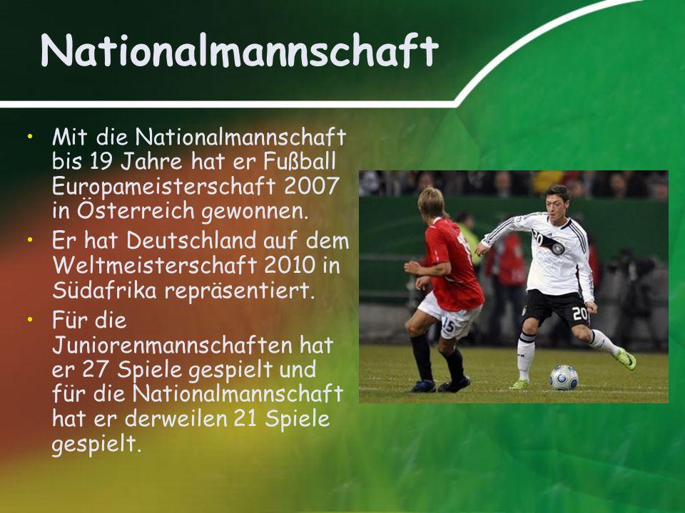 Nationalmannschaft Mit die Nationalmannschaft bis 19 Jahre hat er Fußball Europameisterschaft 2007 in Österreich gewonnen.