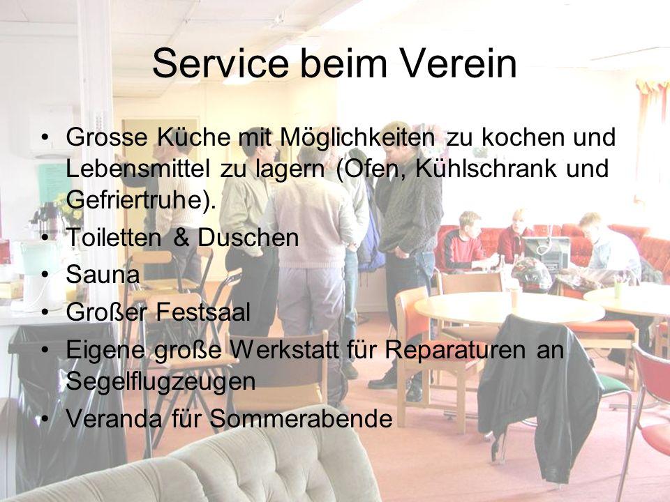 Service beim Verein Grosse Küche mit Möglichkeiten zu kochen und Lebensmittel zu lagern (Ofen, Kühlschrank und Gefriertruhe).