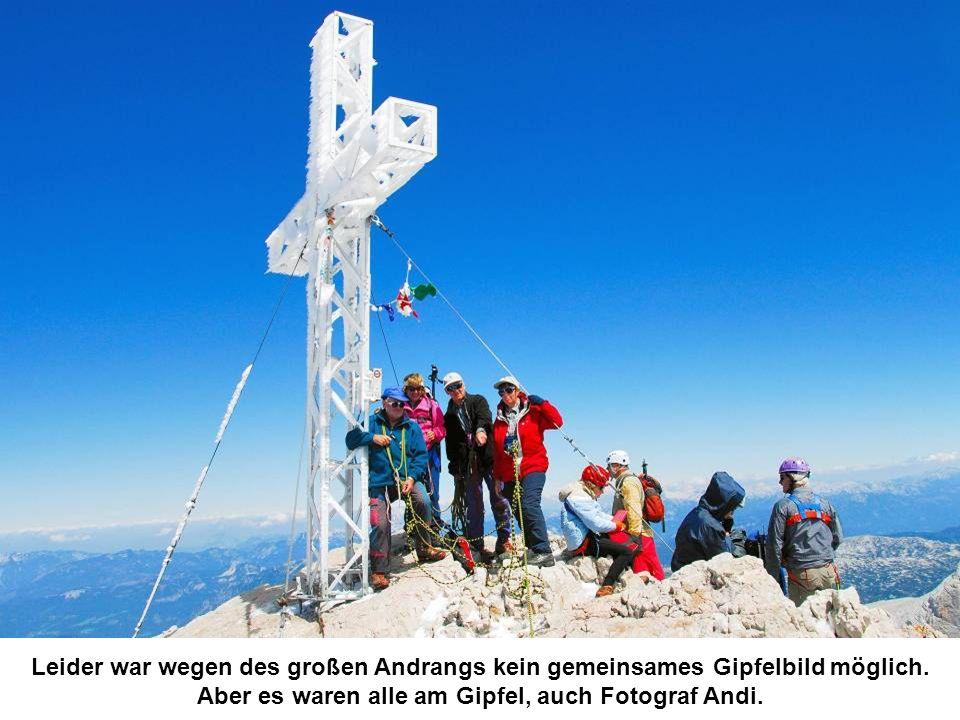 Leider war wegen des großen Andrangs kein gemeinsames Gipfelbild möglich.