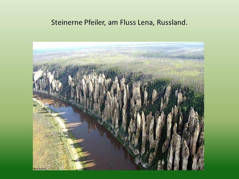 Steinerne Pfeiler, am Fluss Lena, Russland.