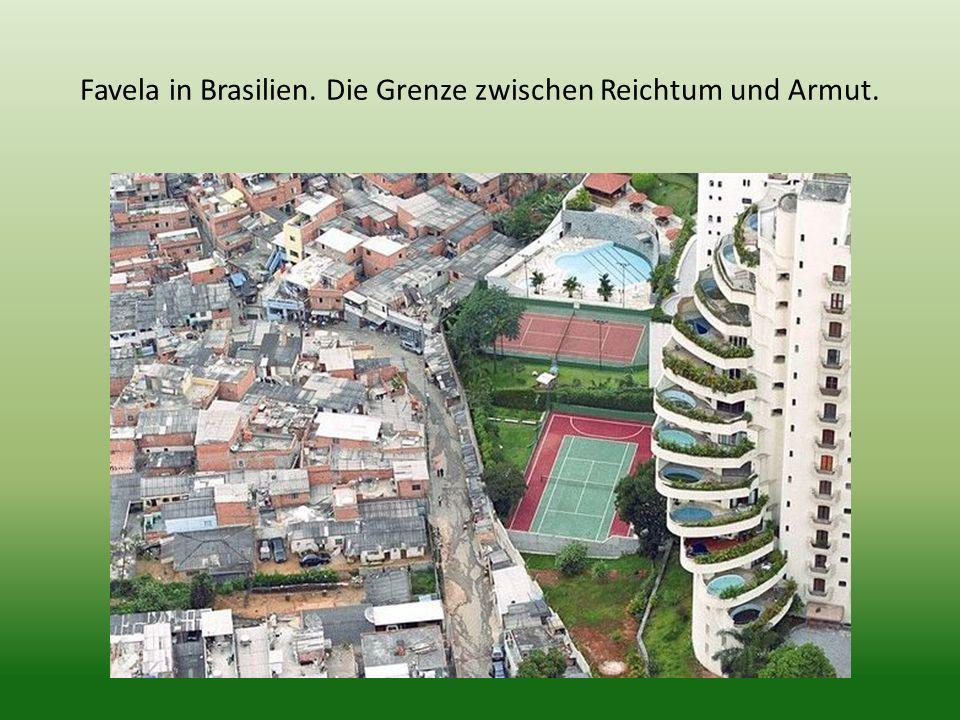 Favela in Brasilien. Die Grenze zwischen Reichtum und Armut.