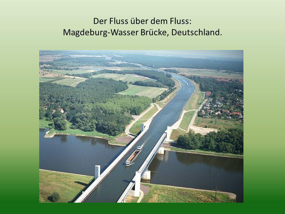 Der Fluss über dem Fluss: Magdeburg-Wasser Brücke, Deutschland.