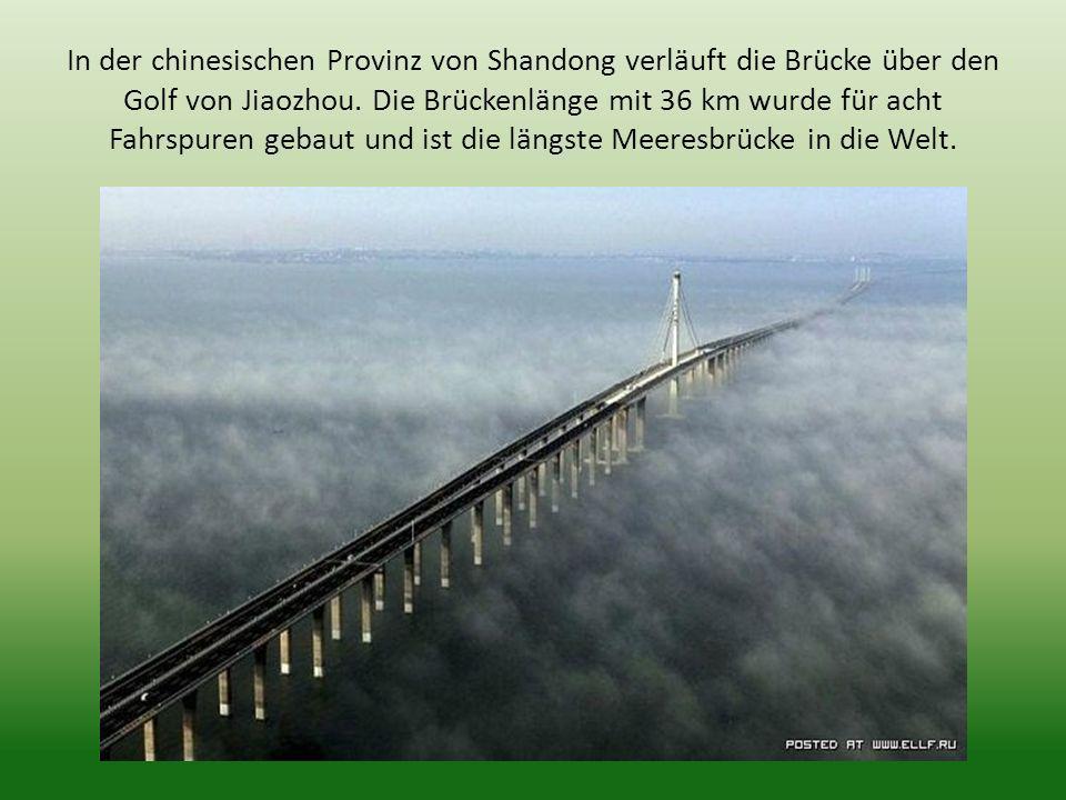 In der chinesischen Provinz von Shandong verläuft die Brücke über den Golf von Jiaozhou.