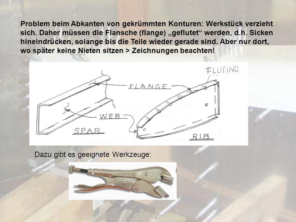 Problem beim Abkanten von gekrümmten Konturen: Werkstück verzieht sich