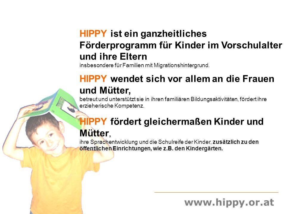 HIPPY ist ein ganzheitliches Förderprogramm für Kinder im Vorschulalter und ihre Eltern insbesondere für Familien mit Migrationshintergrund.