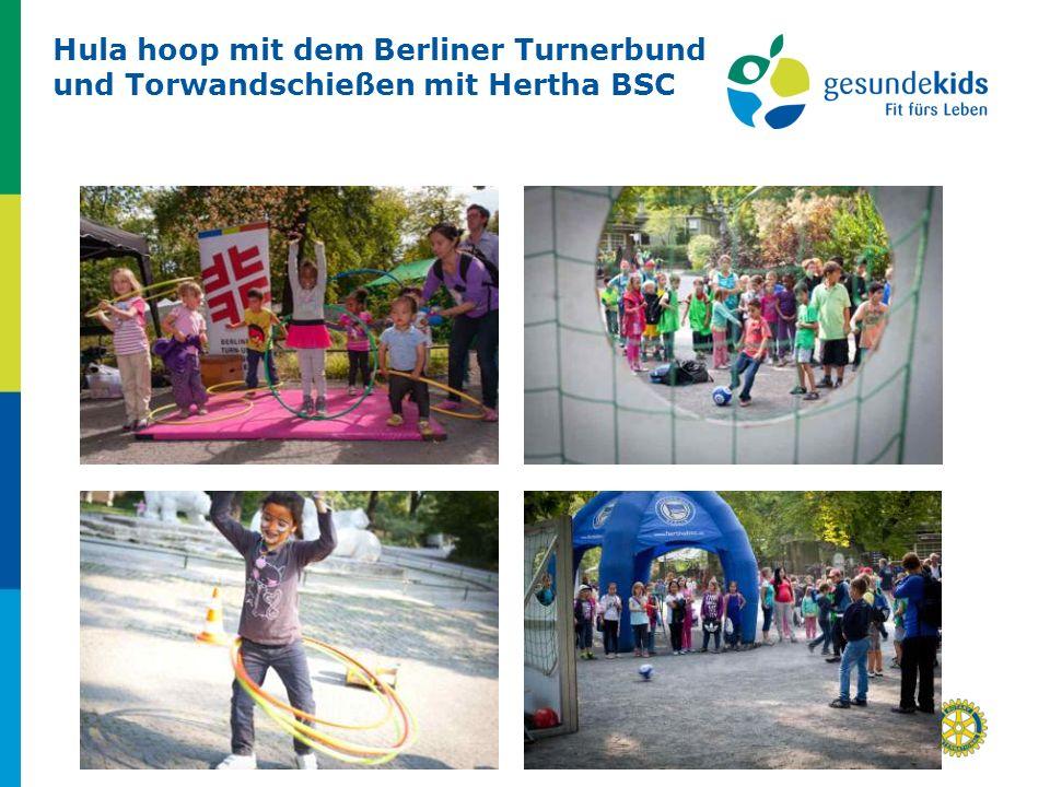 Hula hoop mit dem Berliner Turnerbund und Torwandschießen mit Hertha BSC