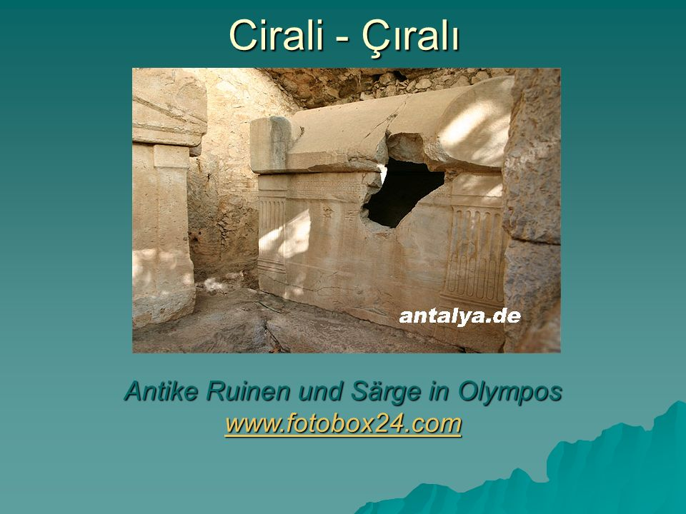 Antike Ruinen und Särge in Olympos