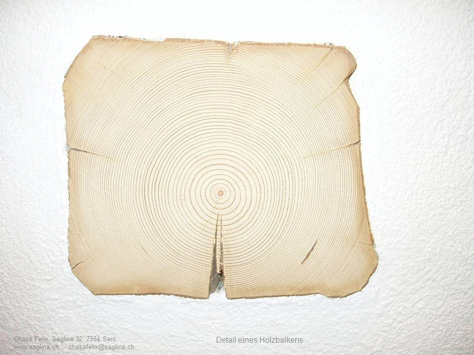 Detail eines Holzbalkens