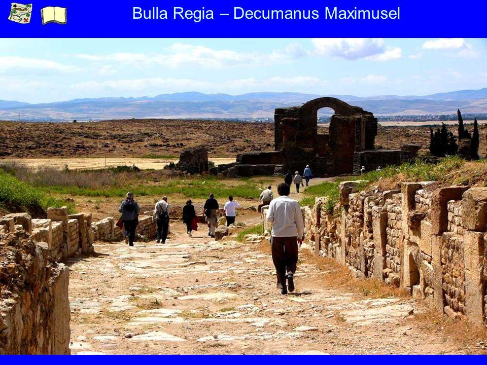 Bulla Regia – Decumanus Maximusel
