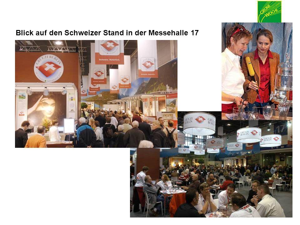Blick auf den Schweizer Stand in der Messehalle 17