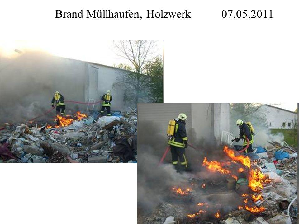 Brand Müllhaufen, Holzwerk 07.05.2011