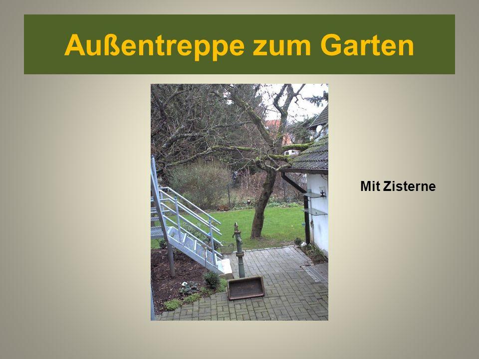 Außentreppe zum Garten