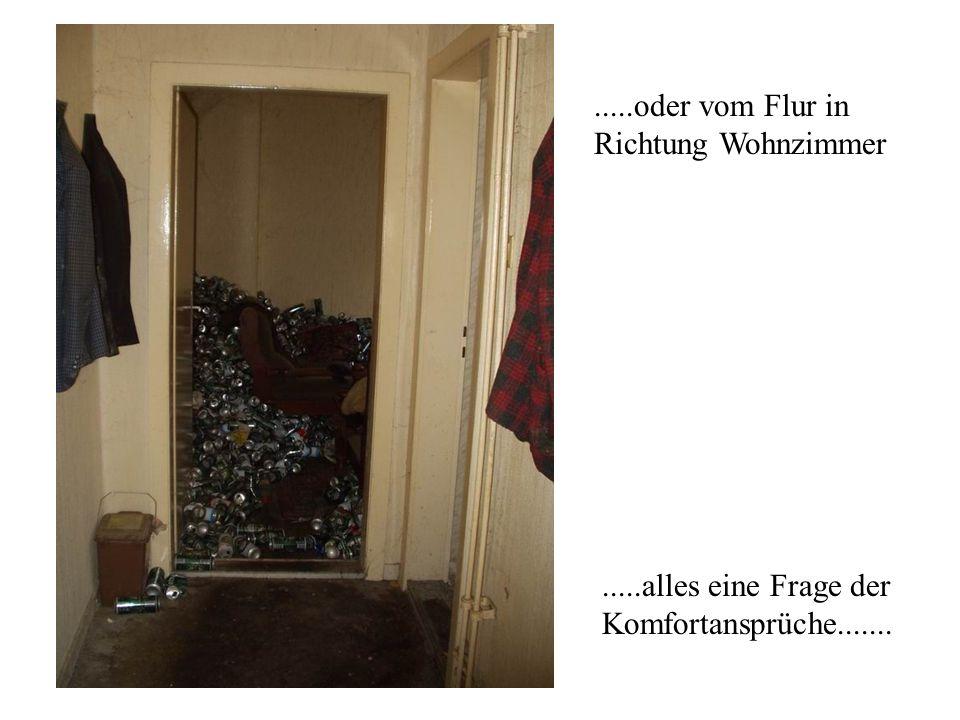 .....oder vom Flur in Richtung Wohnzimmer