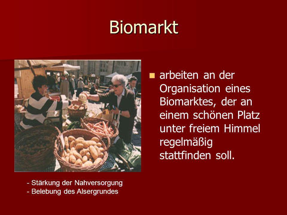 Biomarkt arbeiten an der Organisation eines Biomarktes, der an einem schönen Platz unter freiem Himmel regelmäßig stattfinden soll.