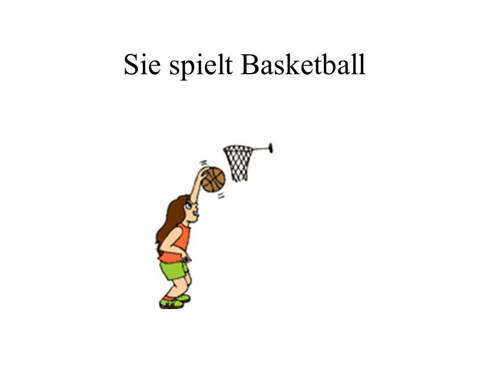 Sie spielt Basketball