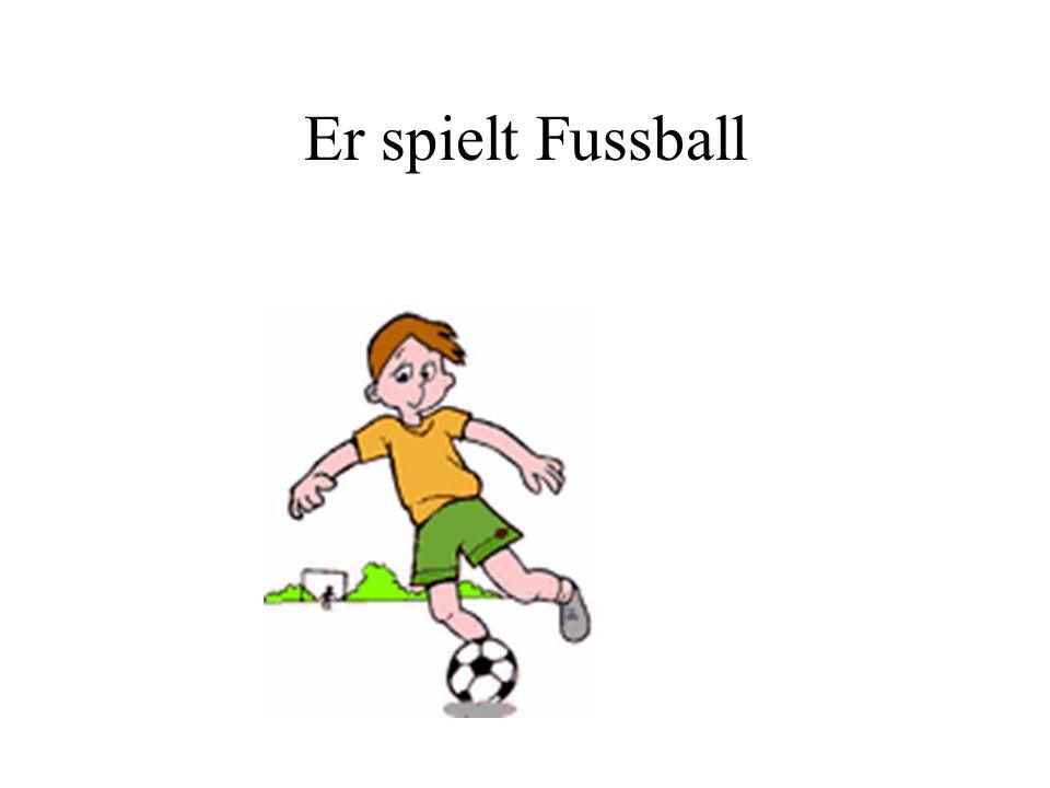 Er spielt Fussball