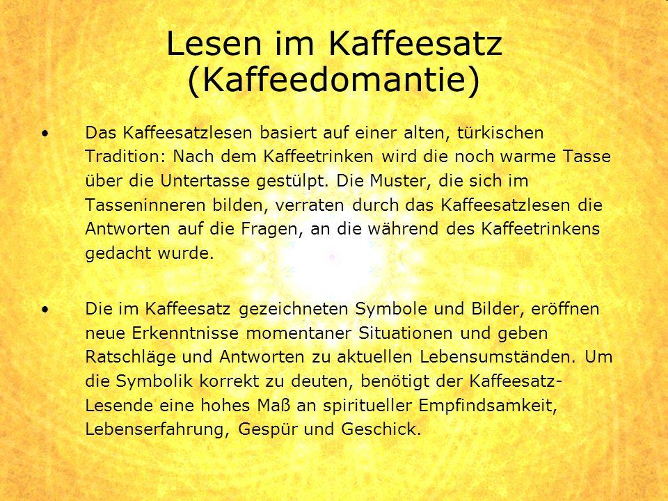 Lesen im Kaffeesatz (Kaffeedomantie)