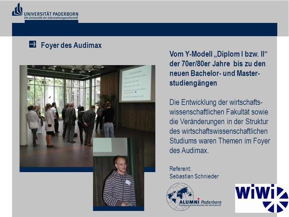 """Foyer des Audimax Vom Y-Modell """"Diplom I bzw. II der 70er/80er Jahre bis zu den neuen Bachelor- und Master-studiengängen."""