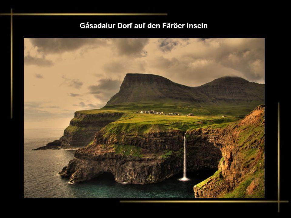 Gásadalur Dorf auf den Färöer Inseln