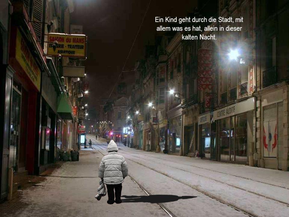 Ein Kind geht durch die Stadt, mit allem was es hat, allein in dieser