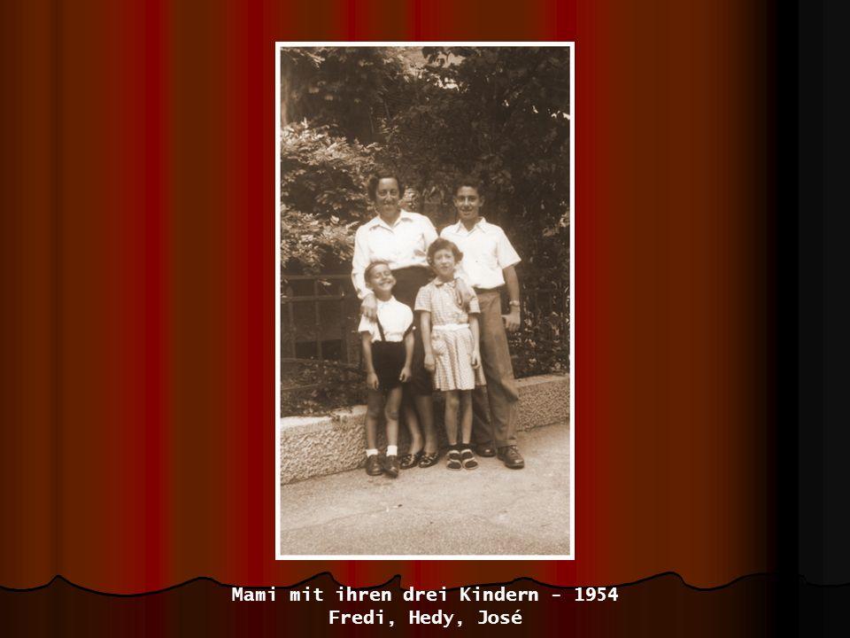 Mami mit ihren drei Kindern - 1954