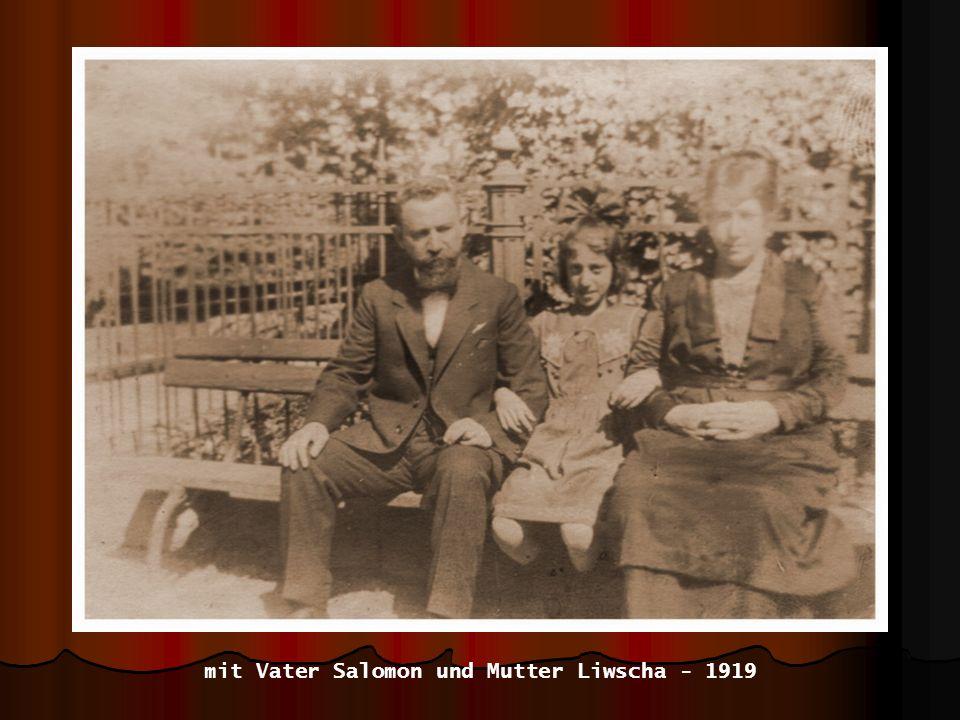 mit Vater Salomon und Mutter Liwscha - 1919