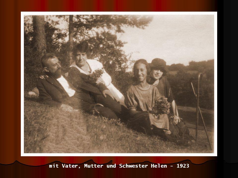 mit Vater, Mutter und Schwester Helen - 1923