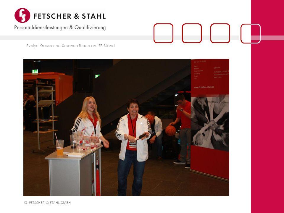 Evelyn Krause und Susanne Braun am FS-Stand