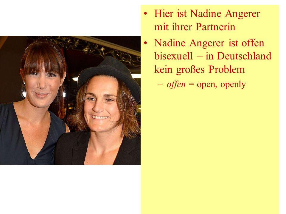 Hier ist Nadine Angerer mit ihrer Partnerin
