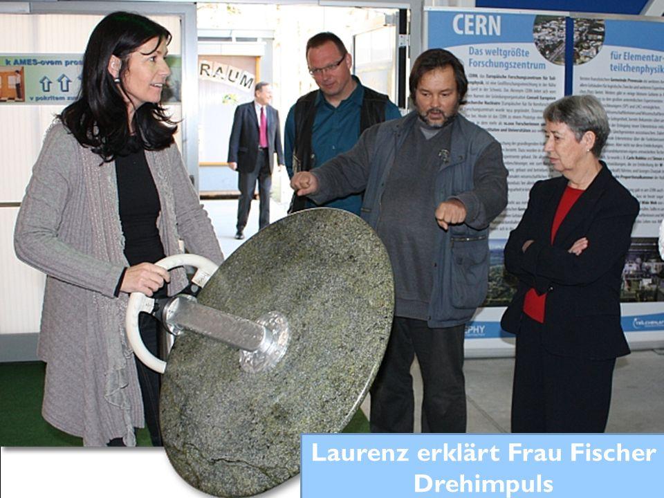 Laurenz erklärt Frau Fischer