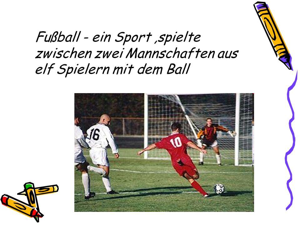 Fußball - ein Sport ,spielte zwischen zwei Mannschaften aus elf Spielern mit dem Ball
