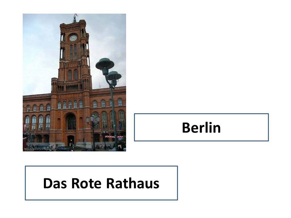 Berlin Das Rote Rathaus