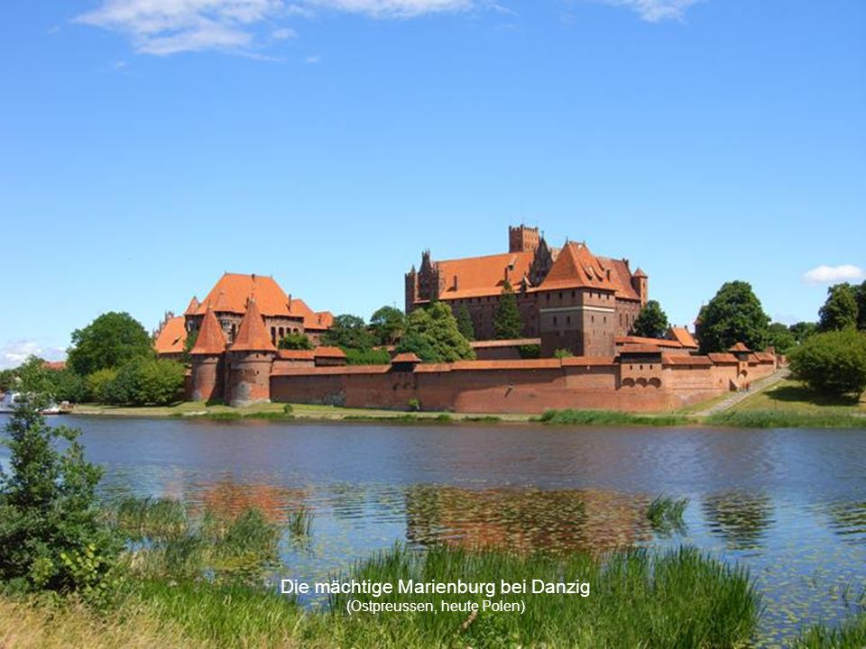 Die mächtige Marienburg bei Danzig (Ostpreussen, heute Polen)