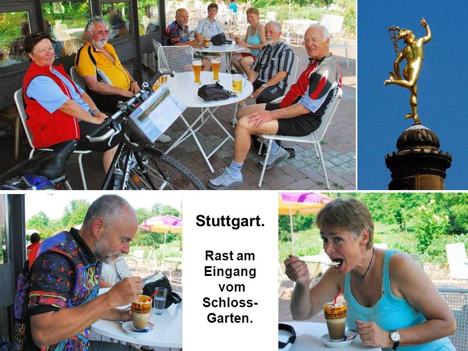 Stuttgart. Rast am Eingang vom Schloss-Garten.