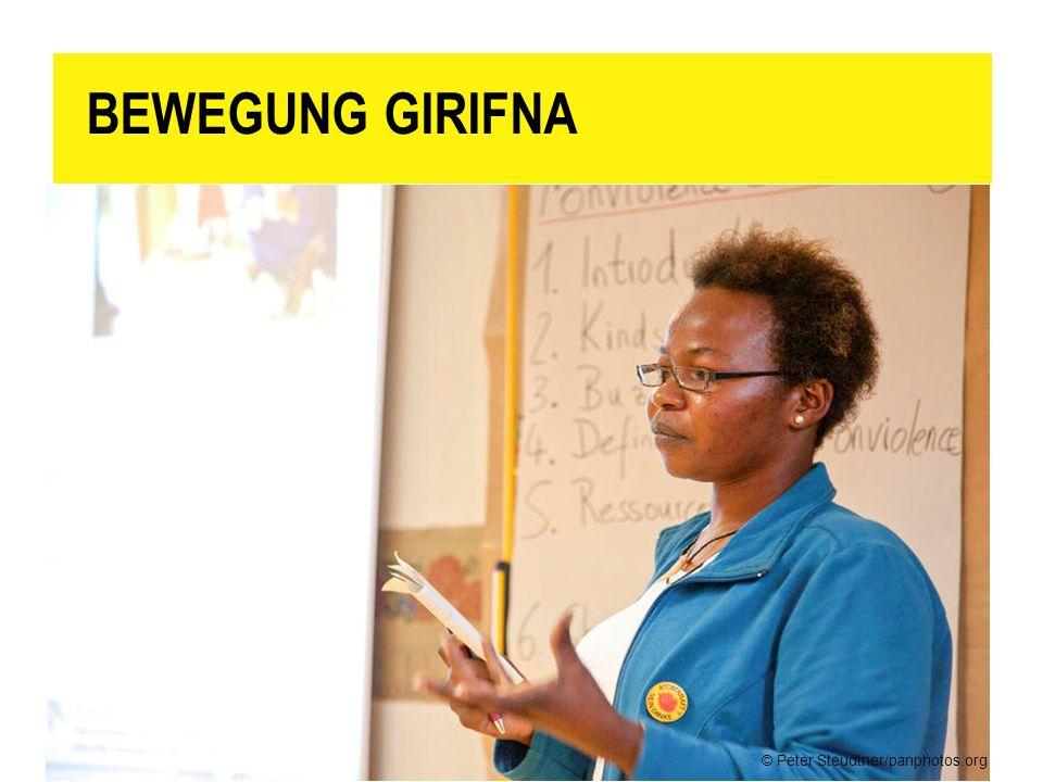 BEWEGUNG GIRIFNA Sensibilisierungs- und Aufklärungsarbeit der Mitglieder von Girifna. Hier ein Workshop zur gewaltlosen Kommunikation.